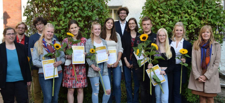 Gruppenfoto der Geehrten Jugendleiter*innen